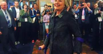 Hillary Clinton Using Forearm Crutches After Breaking Toe On UK Book Tour (PHOTOS)