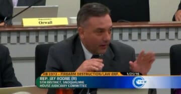 Pro-Gun State Rep Has Whole Room Cheering After Slamming Obama Administration…