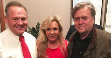 'Through Thick and Thin': Bannon Stands By Moore As Judge Continues Leading in Polls