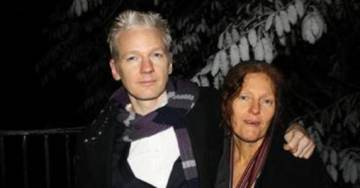 Mother of Julian Assange: President Trump Could Send a Clear Message to the Swamp By Preemptively Pardoning My Son