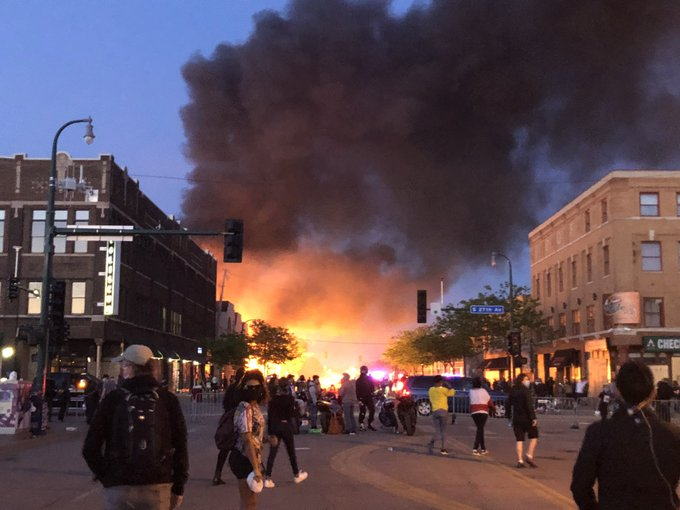 Women Reportedly Being Kidnapped and Pulled Into Cars During Minneapolis Riot, Random Drivers Being Shot At