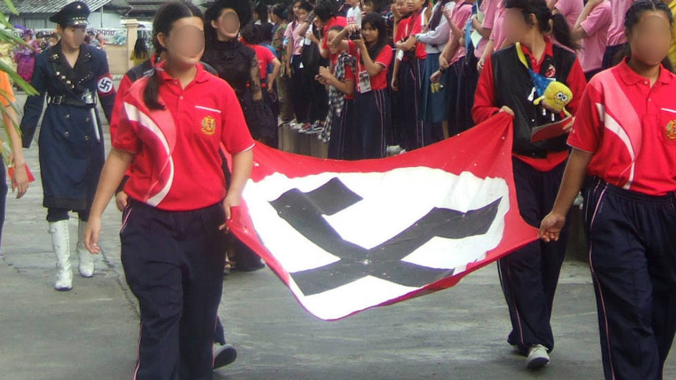 110928081200-thailand-nazi-flag2-horizontal-large-gallery