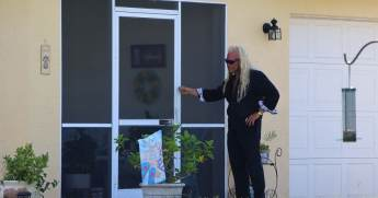 Dog the Bounty Hunter at Laundrie Home