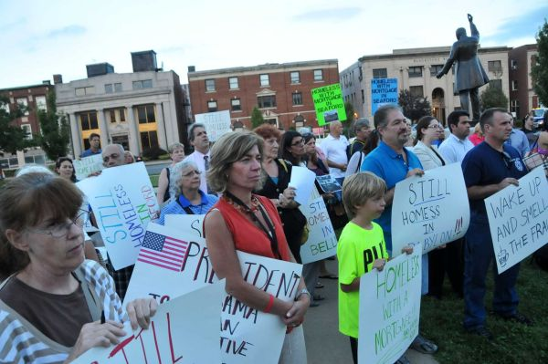 2013-08-31_Long-Island-homeowner-protest