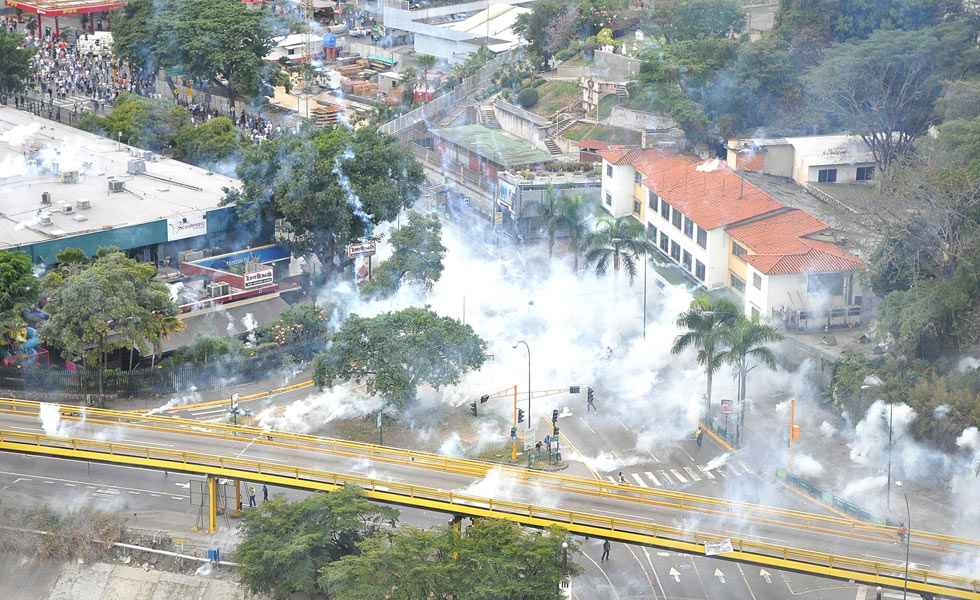 smoke bombs venezuela
