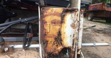 Man Sees Face of Jesus in Rusted AC Unit at Junk Garage