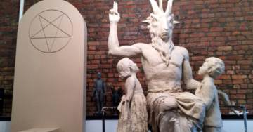 """Satanic Temple Member Opens Government Meeting in Alaska with """"Hail Satan"""" – Prompting Officials to Walk Out"""
