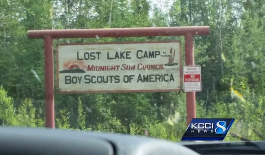 BORDER PATROL POINTS LOADED GUN at Iowa Boy Scout Troop - Threatens Young Scouts (Video)