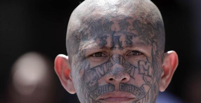 violent-gang-illegals-at-border-processing-center