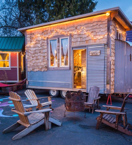 Millenneals Are Obsessed With Living in 200 Square Foot Mini-Homes