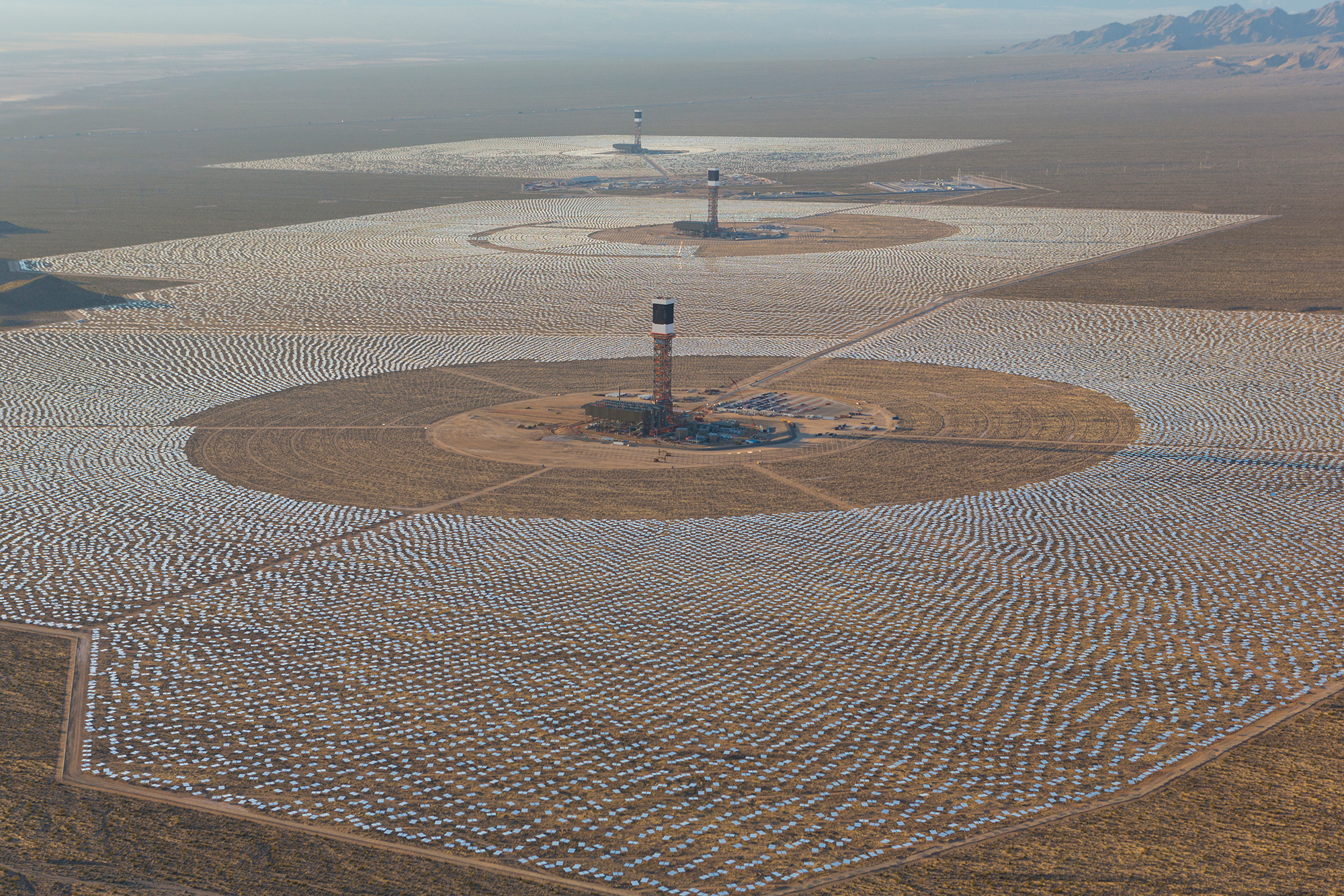 The Ivanpah Solar Electric Power Plant is the world's largest solar ...