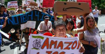 Illegal Immigrant Group Stages Protests at Amazon and Jeff Bezo's Home Against Them Selling Software to ICE (VIDEO)