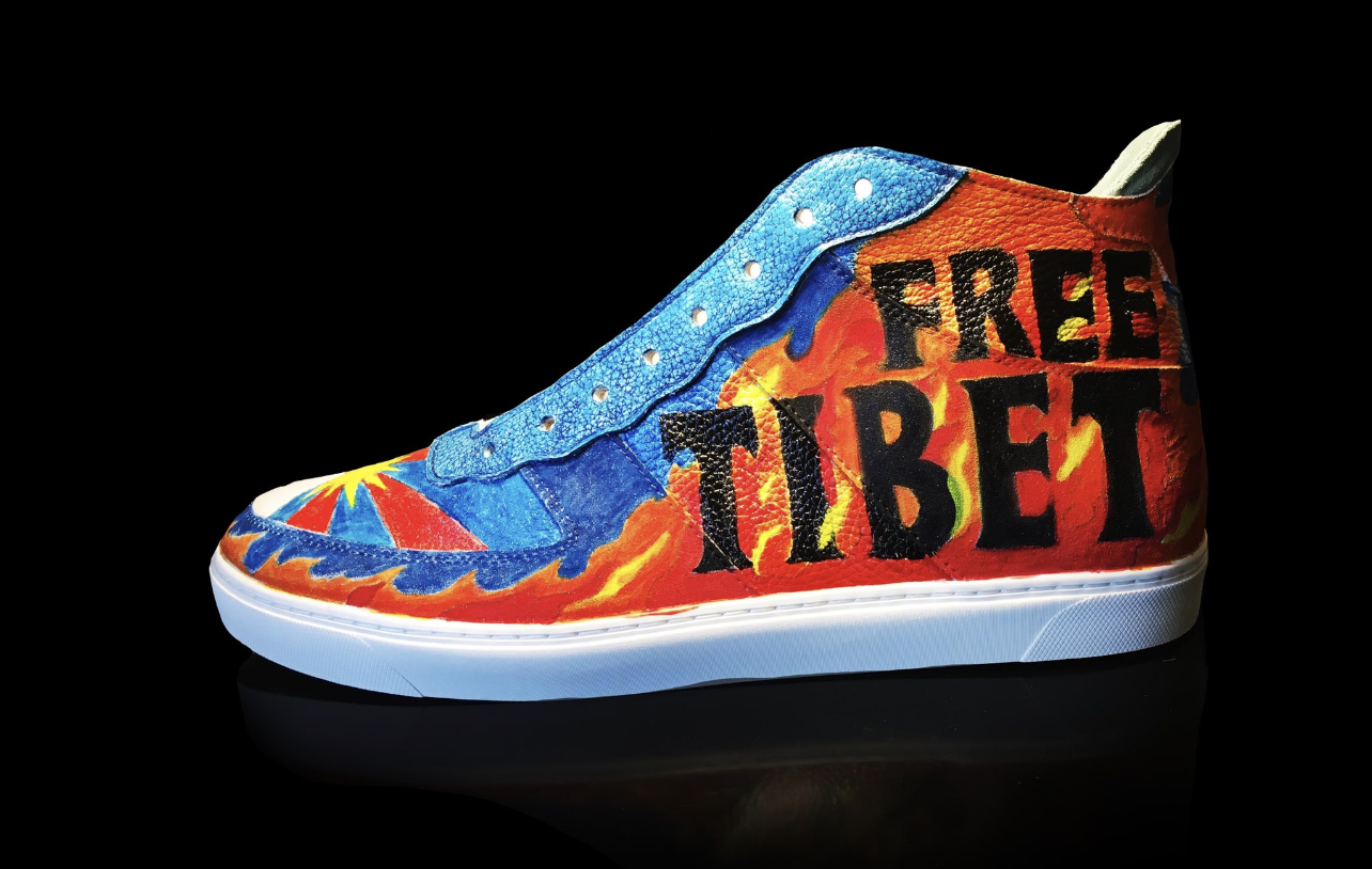 """Update: NBA Player Enes Kanter Cuts Another Video: """"Dear Brutal Dictator Xi Jinping and the Chinese Government – Free Tibet!"""" – Releases Free Tibet Freedom Shoes"""