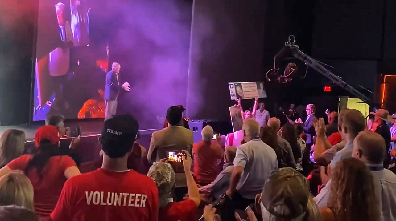 """WATCH: Mother of Ashli Babbitt Receives STANDING OVATION at Trump's """"Rally to Protect Our Elections"""" in Arizona"""