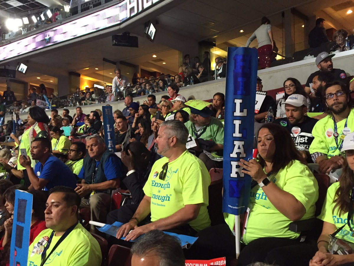 DNC Convention HiLIARy sign Brad Mielke Twitter
