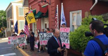 """Cluck You!"" Conservative Protesters Arrive at the Re-Opening of Red Hen Restaurant=> VIDEO and PHOTOS"