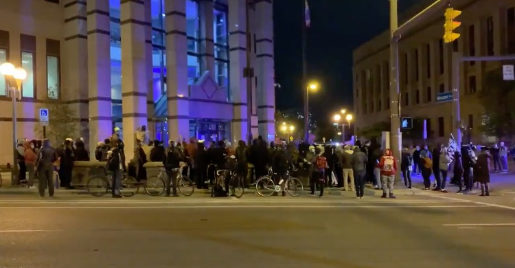 Angry BLM Mob Gathers Outside Columbus Police Headquarters After Officer-Involved Shooting Death of 15-Year-Old Makiyah Bryant (VIDEO)