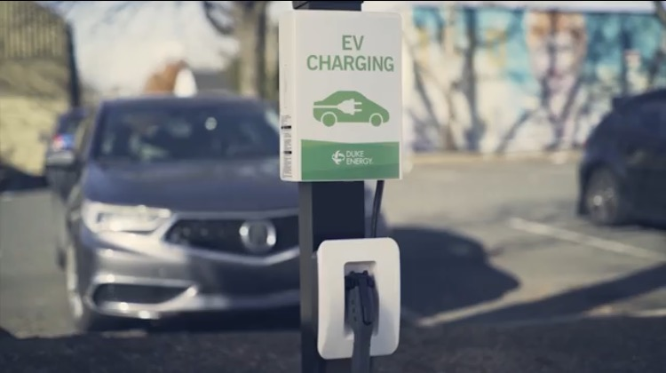 1 in 5 Electric Vehicle Owners in California Switched Back to Gas-Powered Cars Because Charging Their EV is a Hassle