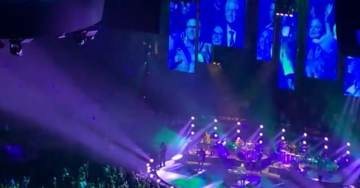 Crowd Boos Bill and Hillary Clinton at Billy Joel Concert (VIDEO)