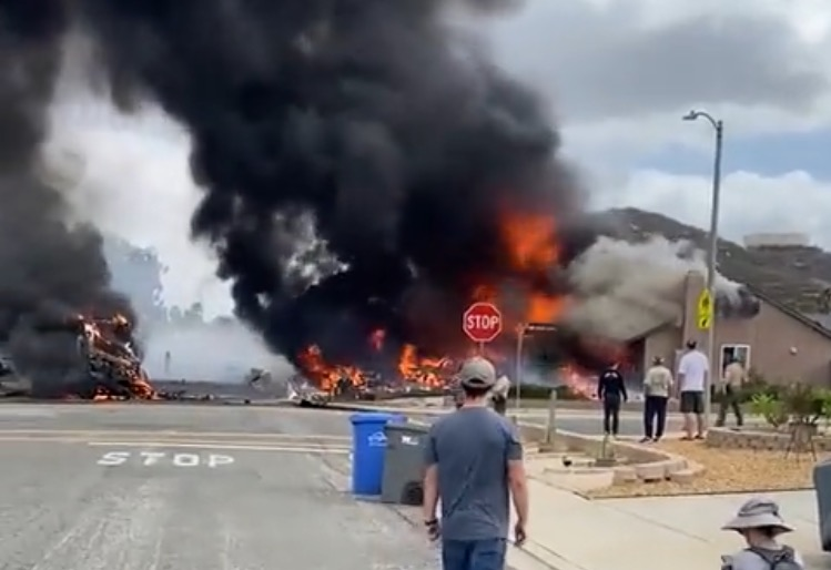 At Least 2 People Dead, 3 Homes Destroyed After Plane Crashes Into San Diego Neighborhood (VIDEO)
