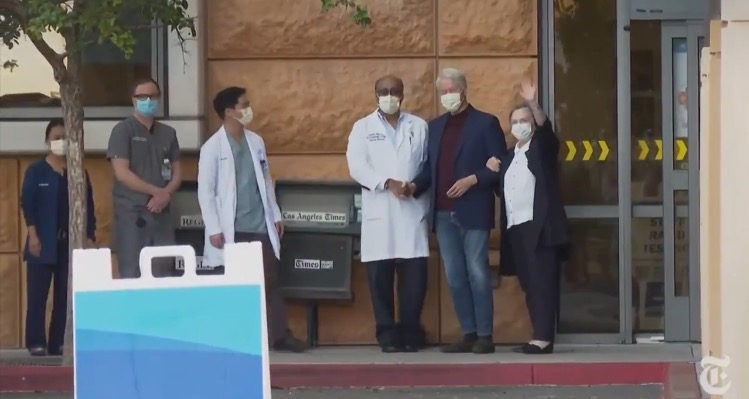 Bill Clinton Hangs Onto Hillary as He Leaves SoCal Hospital After Several Days of Treatment for Sepsis Infection (VIDEO)