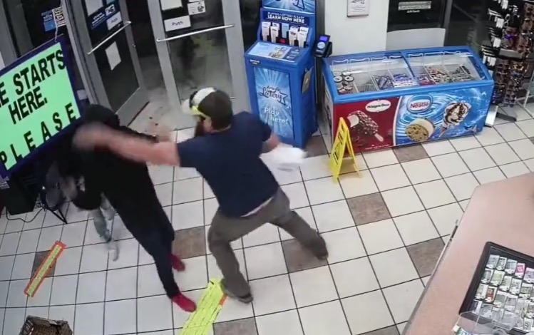Former Marine Tackles Masked Armed Robber in Arizona Convenience Store (VIDEO)