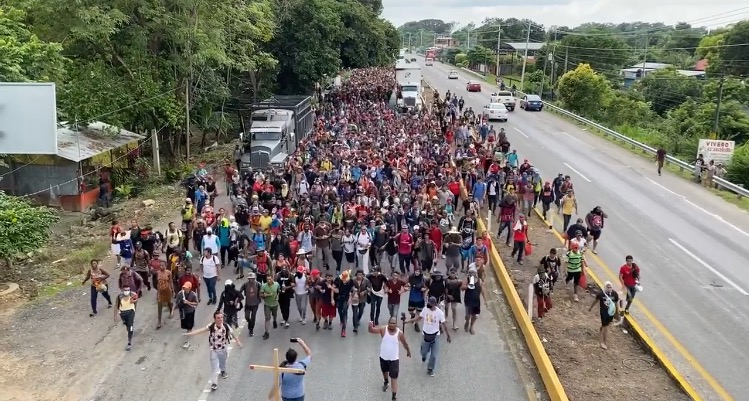 """""""Tell Biden We Are Coming"""" – Massive Illegal Caravan Continues to March Through Mexico En Route to Open US Border – Now 20 Miles North of Tapachula (VIDEO)"""
