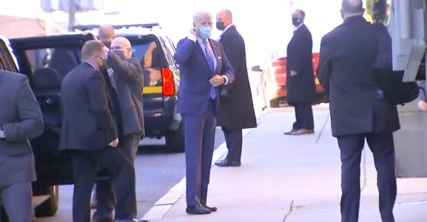 A Bootless Joe Biden Hobbles Away, Ignores Reporters Shouting Questions as he Arrives at the Queen Theater in Delaware (VIDEO)