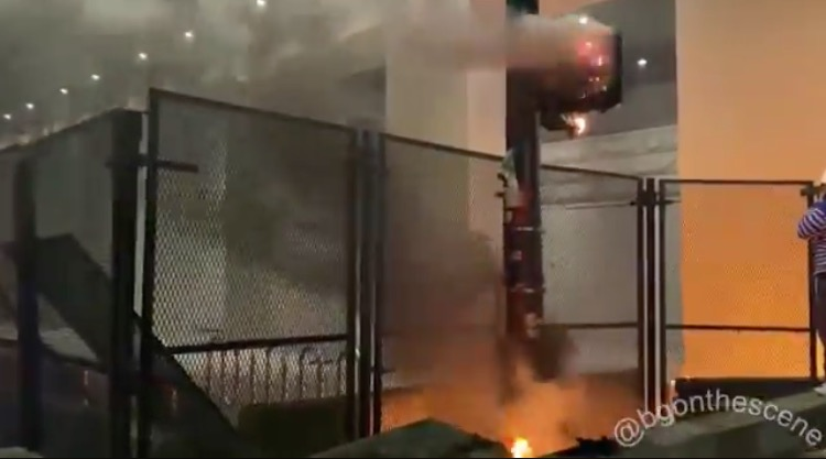 Portland Antifa Ring in the New Year by Hurling Molotovs at Federal Courthouse, Destroying Small Businesses (VIDEO)