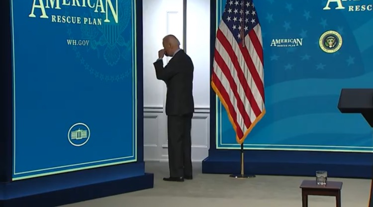 Biden Shuffles Away From Podium without Answering Questions – Then Takes 10 Seconds Trying to Figure Out How to Put His Mask On (VIDEO)