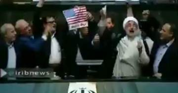 Iranian MPs Burn US Flag in Parliament, Chant 'Death to America' in Protest of POTUS Trump Canceling Nuke Deal