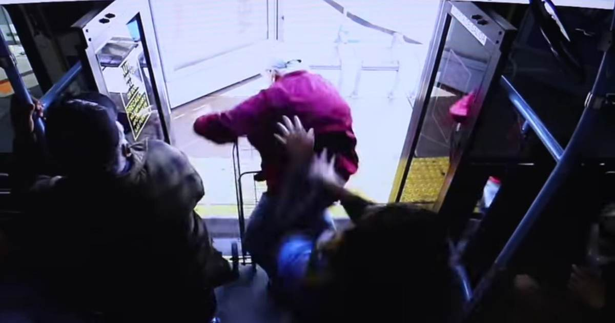 photo image Shock Video: Woman Shoves Elderly Man Off Bus; Victim Dies After Month in Hospital