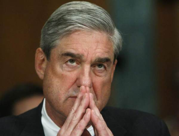 photo image SHUT IT DOWN=> Mueller Issues Grand Jury Subpoenas to Roger Stone's Social Media Consultant