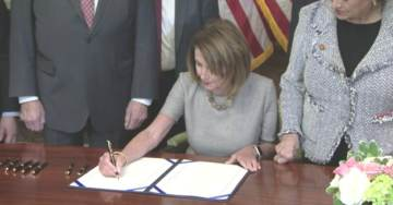 'President' Pelosi Uses Eight Pens in Signing Ceremony for Bill to Reopen Government
