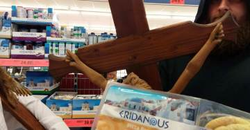 Czech Man Protests Grocery Chain's Removal of Cross – By Trolling Stores With Giant Crucifix
