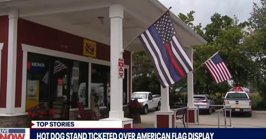 """""""It's Ridiculous That we Have Gotten to This Point"""" – Crowd Protests after Illinois Restaurant Owner Ticketed for Flying American Flag"""