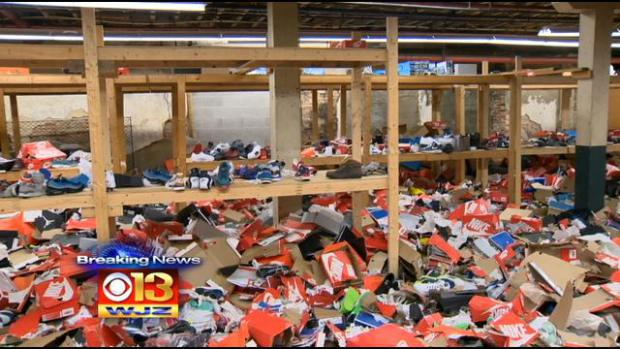 SHOCK VIDEO>>> Hundreds of Baltimore Looters CLEAN OUT Sporting Goods Store