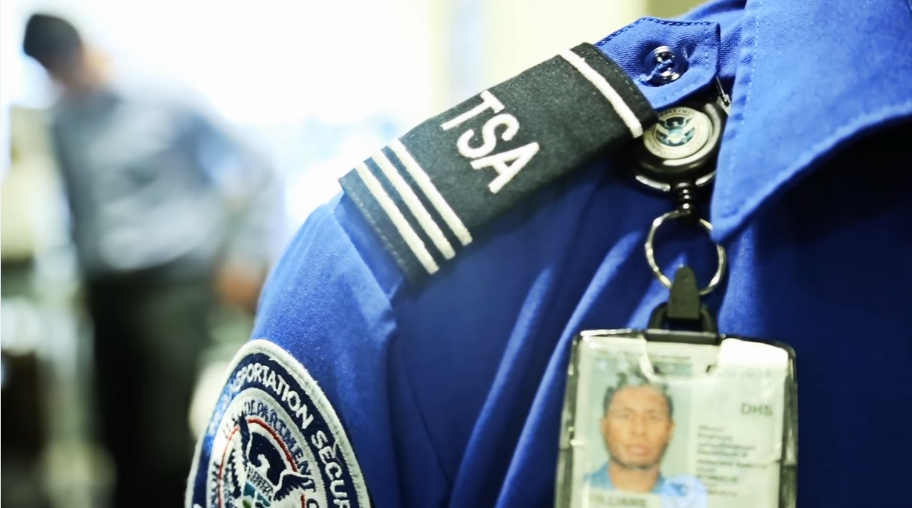 TSA FAIL: Passengers at JFK Go Through Security Checkpoint WITHOUT Being Screened