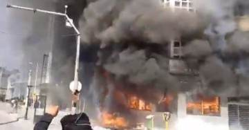 MASS PROTESTS IN IRAN: Protesters Rise Up Against Regime, Block Roads, Take Over City Halls, Torch Police Bus (VIDEO)
