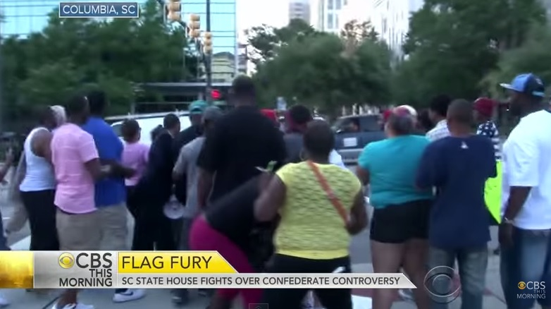 SHOCK VIDEO=> Protesters BEAT Confederate Flag Supporters Bloody at South Carolina Statehouse