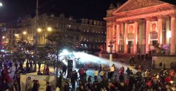 MUSLIMS RIOT IN BRUSSELS – Stores Looted, Christmas Market Attacked (Video)
