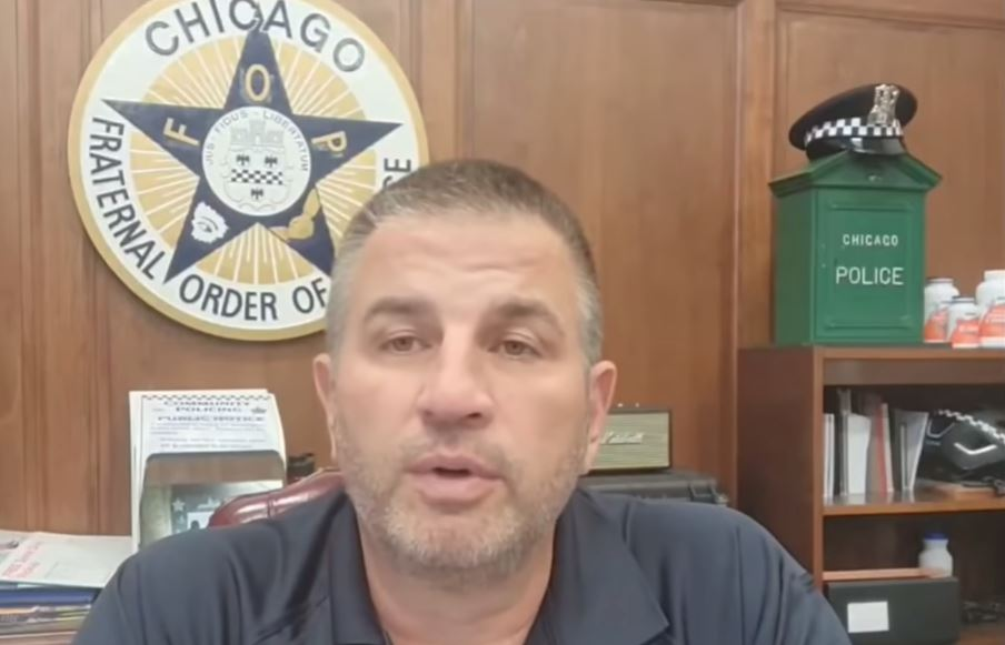 Chicago Police Union's Boss Tells Officers to Defy City Vaccine Deadline (VIDEO)