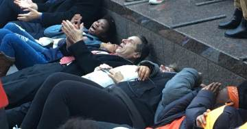 New York Governor Andrew Cuomo Takes Part in Anti-Gun Die-In Protest – Surrounded by Armed Guards