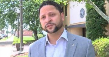 Alabama Councilman Arrested After Threatening Barbershop With Confederate Flag Outside Business