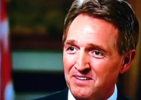 RINO Jeff Flake: Senate Has 60 Votes to Reopen Govt After #SchumerShutdown for Illegals