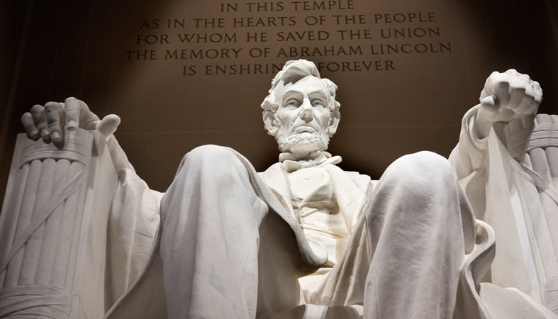 AWFUL: Lincoln Memorial Vandalized with Explicit Language (PHOTO)