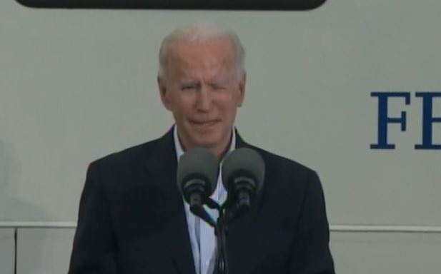 Ignored by Fake News Media: Joe Biden Is Completely LOST in Texas Even with His Handler in Tow (VIDEO)