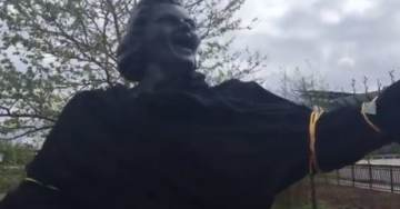 Philly Flyers Remove Kate Smith Statue Outside Wells Fargo Center Over a Racist Song That Black Actor Paul Robeson Also Sang (VIDEO)