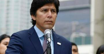 "SHOCK: California Democrat Sensation De Leon Supports Sanctuary State Laws, Has ""No Human Being Is Illegal"" Photo on Website"