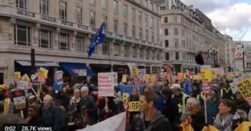 """THOUSANDS OF LEFTIST PROTESTERS March in London Chanting: """"Tear Down the Fences – Open the Borders!"""" (Video)"""